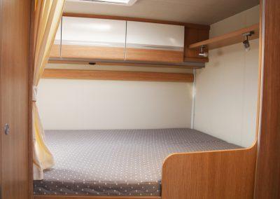 Tylne łóżko dwuosobowe